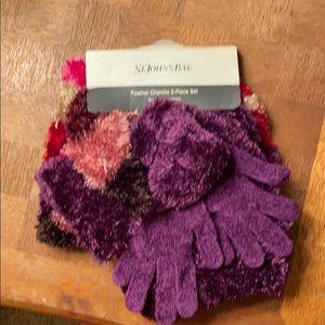 3 piece set: gloves, hat, scarf